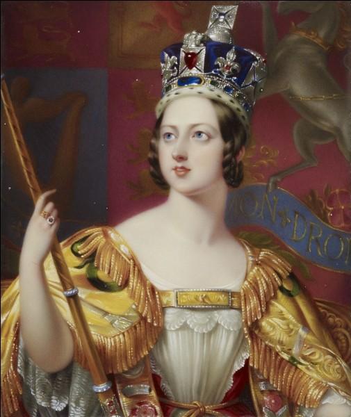 En 1876, de quel pays la reine Victoria s'est-elle nommée elle-même impératrice ?