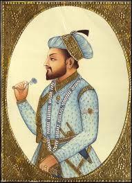 Qu'a fait construire l'empereur moghol Shâh Jahân en 1642 ?