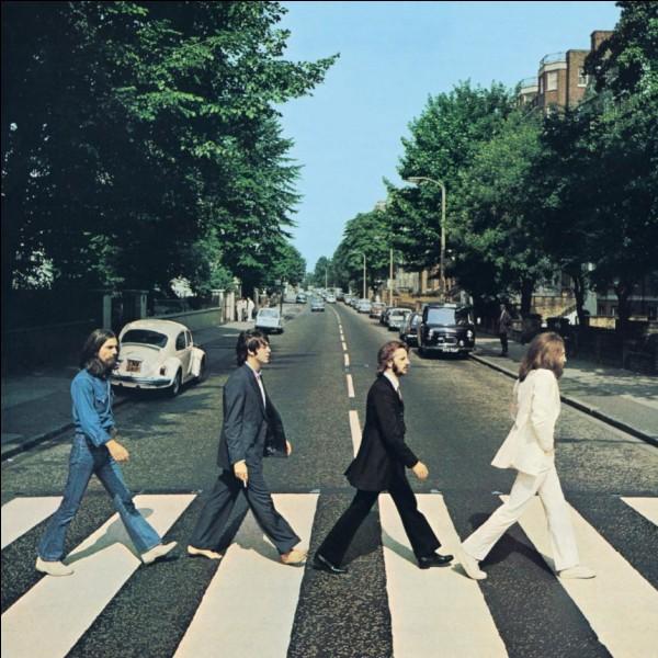 LepetitZebre. Lequel de ces membres des Beatles s'est fait assassiné à Central Park en 1980 ?