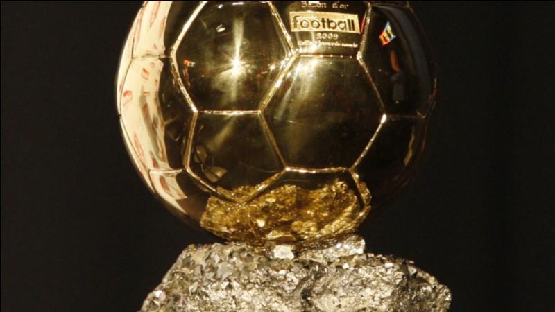 Quel footballeur fut le premier Français à remporter le Ballon d'or ?