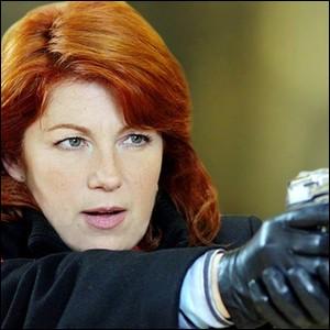 """Dans la série télévisée """"Julie Lescaut"""", quel est le métier de Véronique Genest ?"""