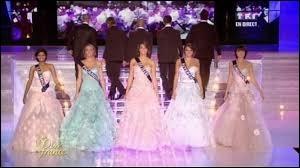 """Lors de la soirée """"Miss France"""", combien de candidates sont retenues lors de la seconde sélection ?"""