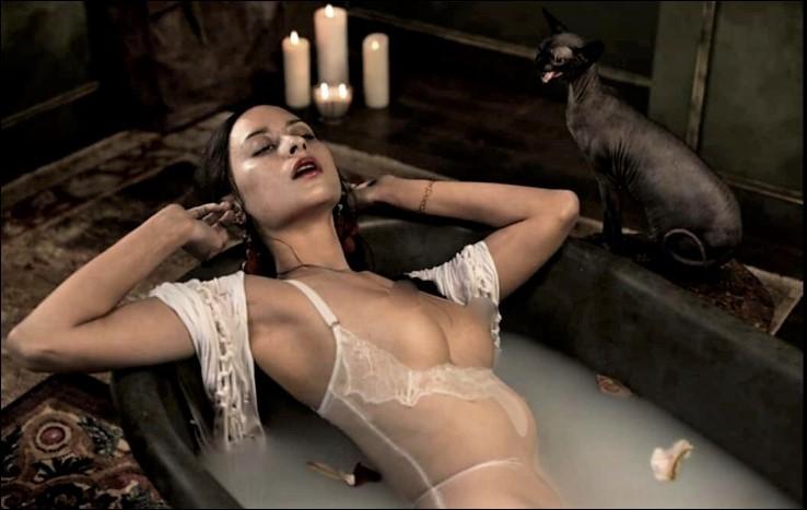 Cette reine d'Égypte ptolémaïque adorait se baigner dans du lait d'ânesse. Qui est-elle ?
