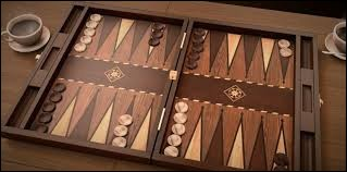 Combien de triangles y a-t-il sur le plateau du Backgammon ?