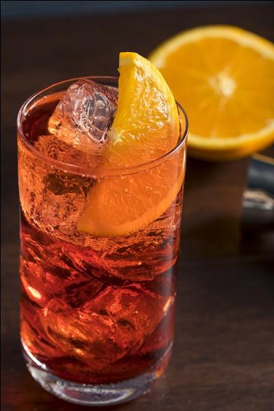 Quel alcool entre dans la composition de l'américano ?