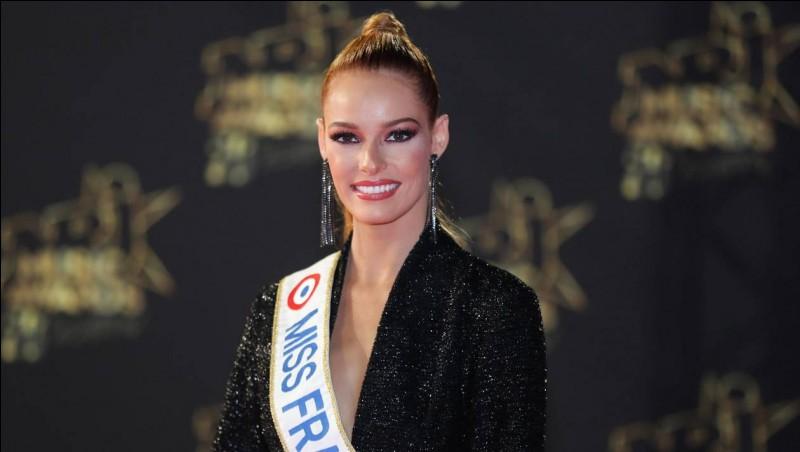 Maëva a représenté la France au concours de Miss Monde 2018, qui a eu lieu le 8 décembre 2018...