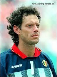 Michel Preud'homme meilleur gardien du monde en 1994, a pourtant encaissé un but devenu légendaire pour nous belges à la 119 minute d'un match de 1/8 de finale de coupe du monde 1990 , mais qui l'inscrivit ?