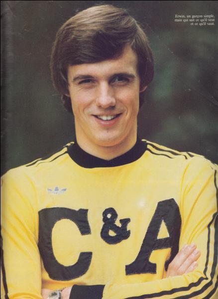 Buteur extraordinaire Erwin Vandenbergh réussit l'exploit d'être le meilleur buteur européen en 1980 avec le lierse, mais combien de buts avait il inscrit ?