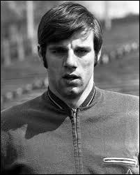 Je suis un solide défenseur né à Ensival en 1946, j'ai joué au standard et à Anderlecht, et j'ai 34 capes en équipe nationale, je suis ?
