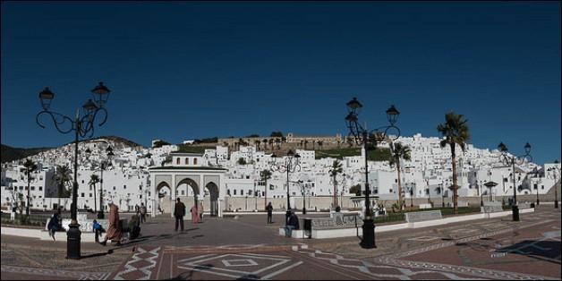 Cette ville du 400 000 habitants, dans le nord marocain, en bordure des montagnes du Rif, c'est :