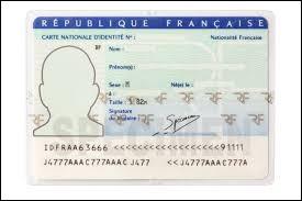 En quelle année la durée de la validité de la carte nationale d'identité pour les personnes majeures a-t-elle été allongée de 5 ans ?
