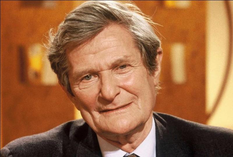 Ce médecin, cancérologue (1923 - 2003), connu aussi pour son engagement en faveur des sans-abri et des « sans-papiers », c'est Léon...
