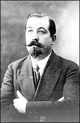 Ce syndicaliste (1879 - 1954) a été secrétaire général de la CGT de 1909 à 1947, puis fondateur et président de Force Ouvrière de décembre 1947, jusqu'à sa mort. C'est Léon ...