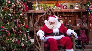 Où le père Noël habite-t-il ?