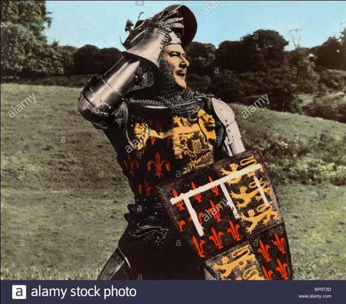 Jean II continue de guerroyer avec une armée désordonnée, des nobles indisciplinés face à des Anglais dont les arcs longs continuent de ravager les rangs français. Qui est le prince héritier des Anglais qui bataille en Aquitaine ?