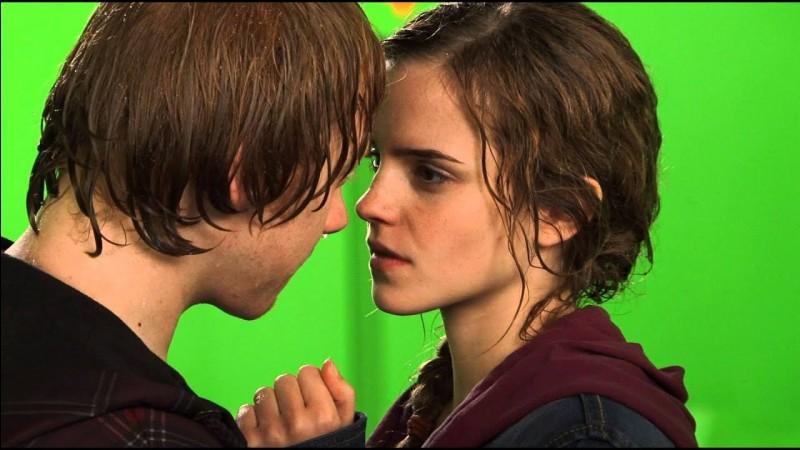 Dans quel film, Ron et Hermione s'embrassent-ils ?