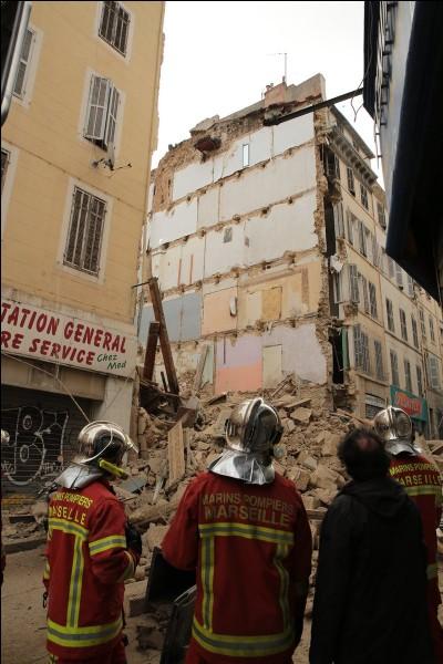 Novembre : Pourquoi deux immeubles de la rue d'Aubagne à Marseille se sont-ils écroulés ?