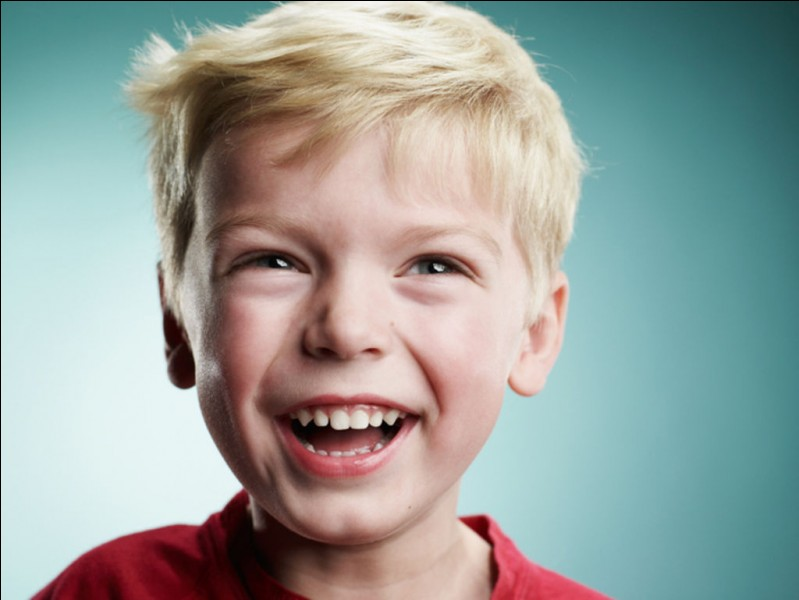 Comment s'appelle le premier enfant de Ewart et Zara Asker ?