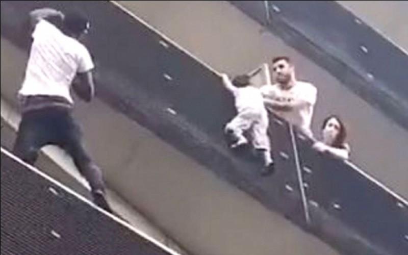 Dans quel arrondissement de Paris, Mamoudou Gassama a-t-il sauvé un bébé en escaladant un immeuble le 26 mai 2018 ?