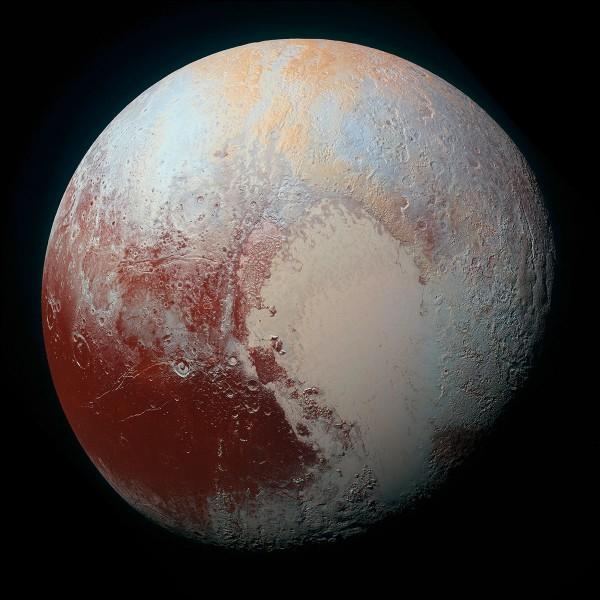 Pluton est une planète naine.