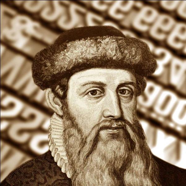 """Le livre le plus traduit est aussi le premier à avoir été imprimé en Europe, au 15e siècle. Composé de deux grandes parties, il n'est pas très """"profane"""", mais tout le monde en sait quelque chose de cet ouvrage. Je vous parle bien sûr de :"""