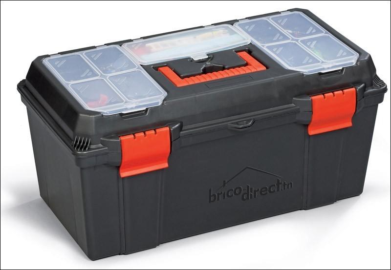 Cette valise contient de nombreux outils de réparation, comme des tournevis, des marteaux, des vis. Il s'agit d'une...