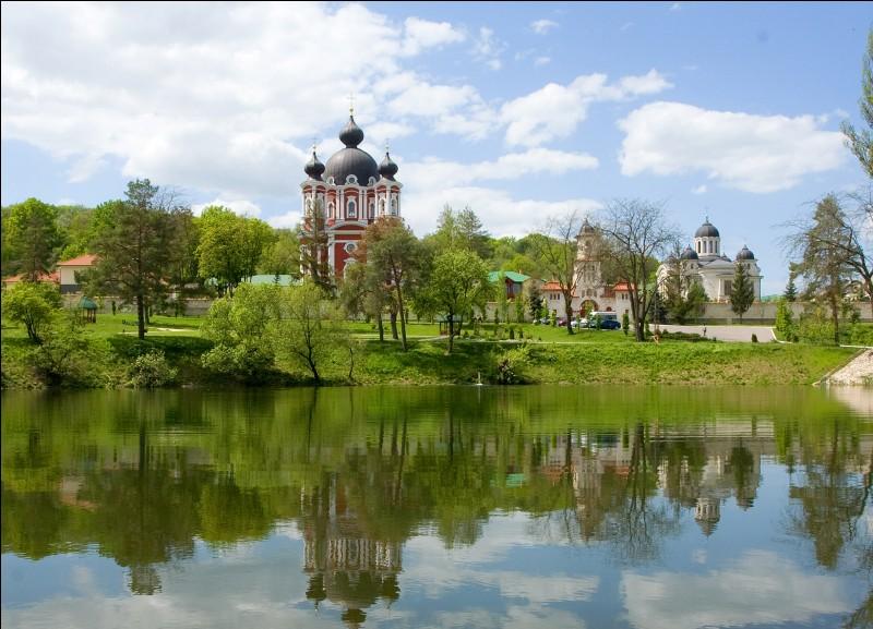 La République de Moldavie fut tout d'abord :
