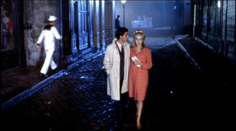"""Il a composé la musique des films """"Les parapluies de Cherbourg"""" et """"Un été 42"""". C'est :"""