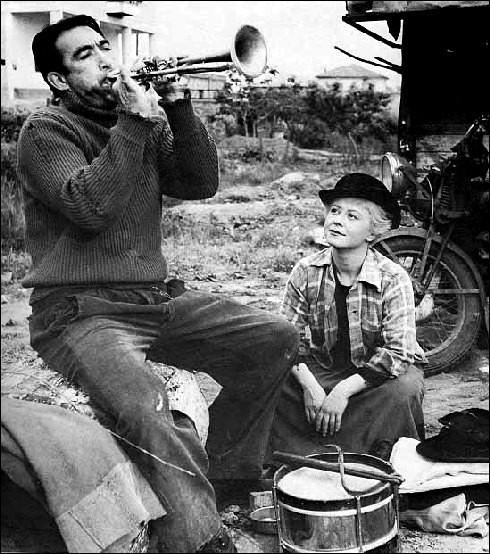 """Il a composé la musique des films """"La Strada"""" et """"Le Parrain"""". C'est :"""
