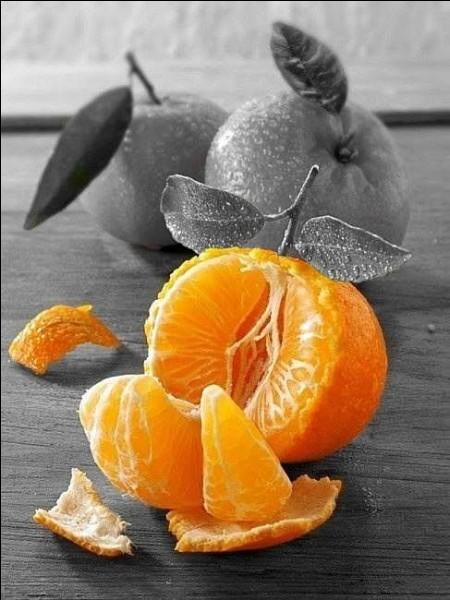 Quel agrume est un hybride de l'orange douce et de la mandarine ?