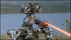 """Quel est le nom initial de ce robot qui tient le rôle principal dans le film """"Short Circuit"""" ?"""
