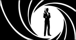 Combien d'acteurs ont déjà incarné 007 à ce jour ?(Série de films officielle)