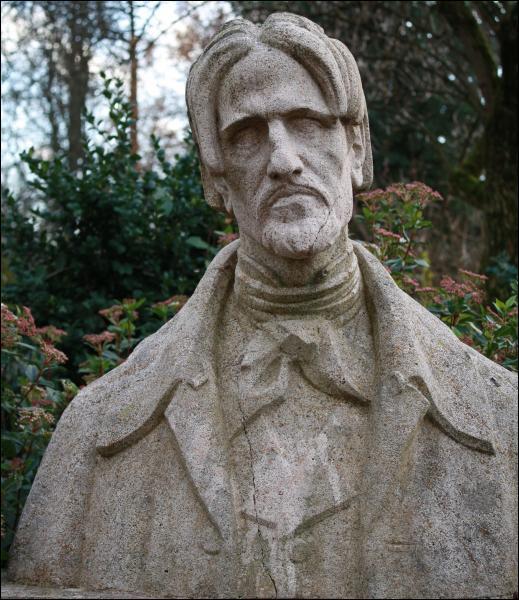 Comment se nomme l'un des plus grand poète du XIXe, pourtant méconnu, mais qui a grandement inspiré les auteurs romantiques ?