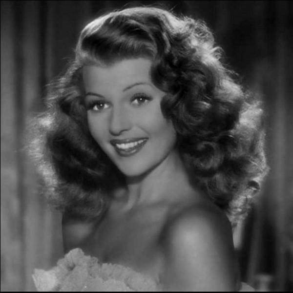 """Rita Hayworth chante dans """"Gilda"""". Quel est le titre de la chanson ?"""