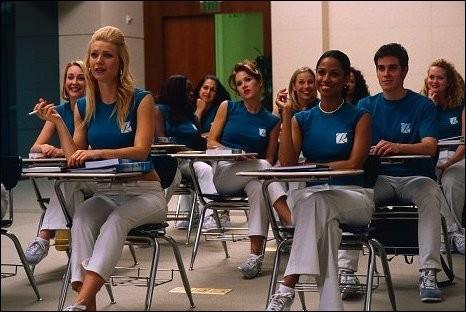 """Jennifer Aniston est une hôtesse (devenant pilote) dans le film """"Hôtesse à tout prix""""..."""