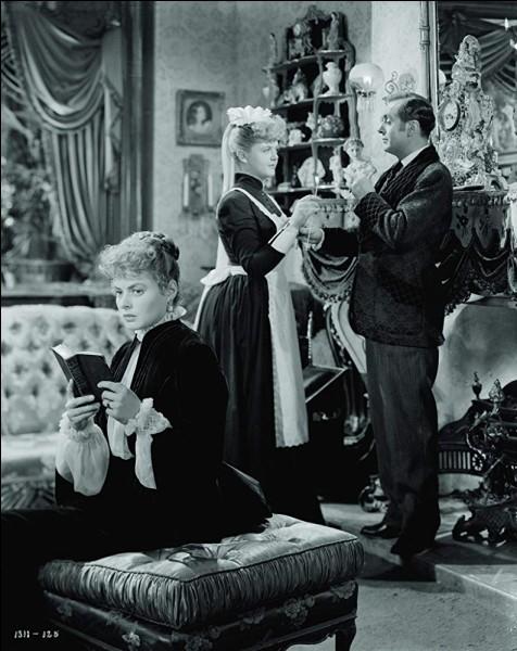 """""""Hantise"""" est un thriller victorien de 1944, réalisé par George Cukor. Dans une ambiance très mystérieuse, est-ce l'histoire d'une maison hantée ou d'une machination ?"""