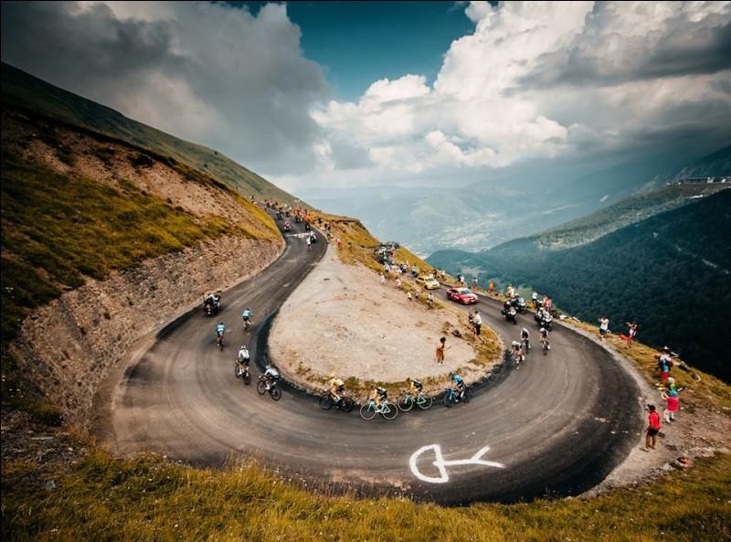 Parlons désormais de la course de transition entre le Giro et le Tour de France. Cette course est une préparation idéale pour la Grande Boucle. Qui a remporté le Critérium du Dauphiné ?