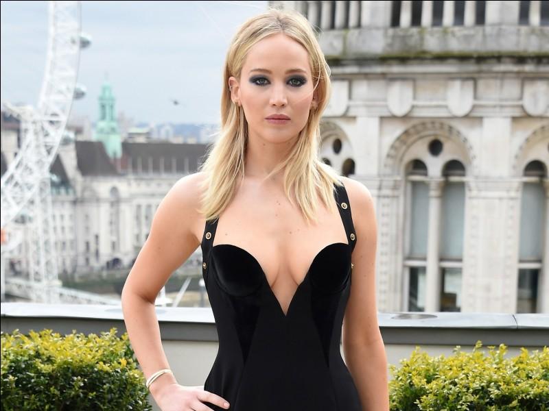 L'héroïne est Katniss Everdeen, dans quatre films (en 2018) basés sur des livres. Le titre est...