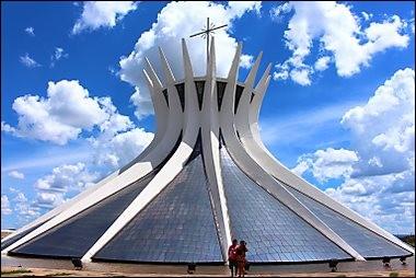 De quelle ville du Brésil ce monument est-il la cathédrale ?