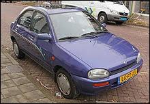 Durant quelle décennie est sortie cette Mazda 121 de troisième génération ?