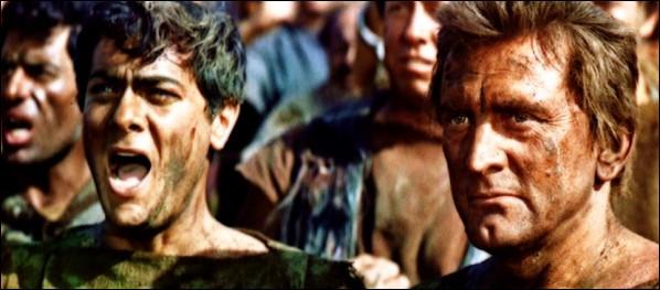 "Dans ""Spartacus"", film de Stanley Kubrick sorti en 1960, quel acteur incarne Spartacus ?"