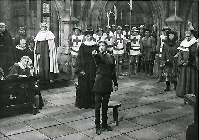 """Dans """"Jeanne d'Arc"""", film de Victor Fleming, sorti en 1949, qui raconte l'épopée de Jeanne d'Arc, quelle actrice incarne Jeanne d'Arc ?"""