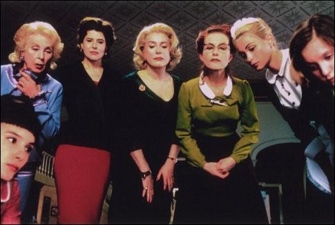"""""""Huit femmes"""" réalisé par François Ozon est tiré d'une pièce de théâtre..."""