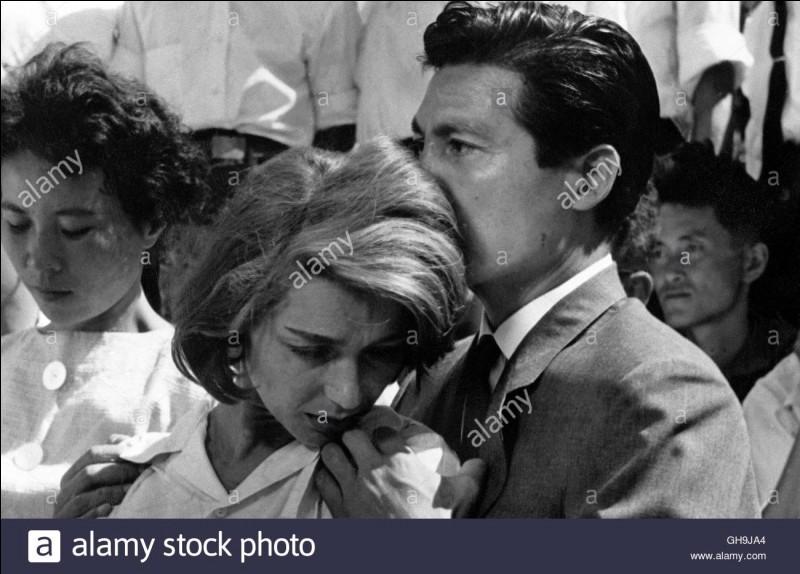 """""""Hiroshima mon amour"""" est un film qu'a tourné Marguerite Duras."""