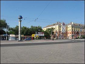 Cette ville ukrainienne de 450 000 habitants, port industriel sur la mer d'Azov, c'est :