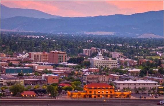 Cette ville des Etats-Unis, deuxième ville du Montana avec 70 000 habitants, entourée de montagnes, c'est :