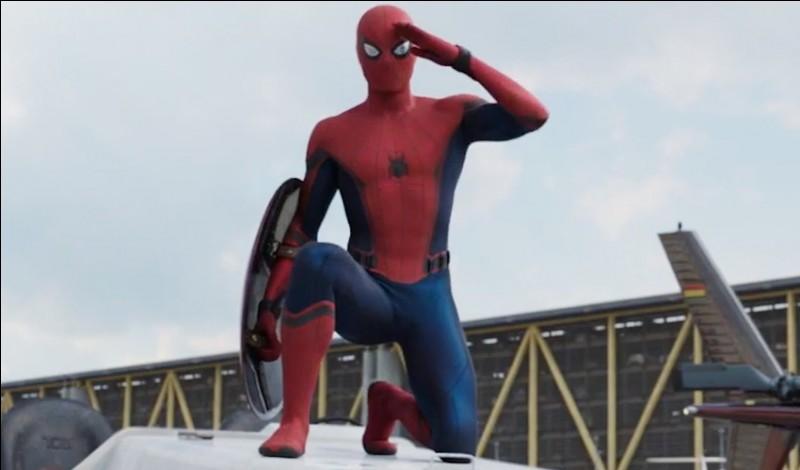 """Devant qui, Tom Holland n'a-t-il pas donné de réplique pendant son audition, durant le tournage du film """"Captain America : Civil War"""" ?"""