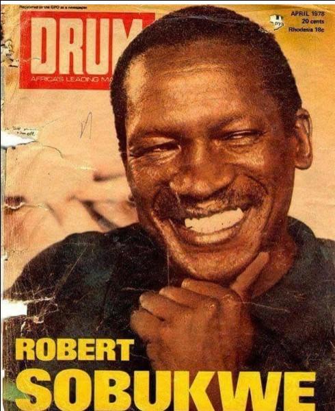 Quel mouvement nationaliste noir fut fondé par Robert Sobukwe ?