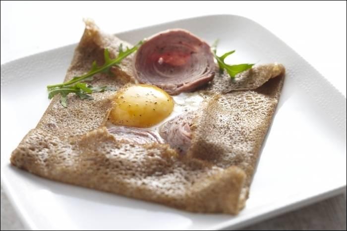 Quelle céréale est l'ingrédient principal de la galette bretonne ?