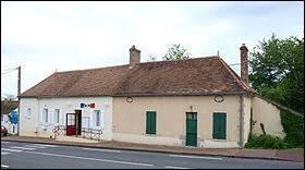 Nous terminons cette balade dans le Centre-Val-de-Loire, à Saint-Loup-de-Gonois. Petit village de 86 habitants, dans la région agricole du Gâtinais pauvre, il se situe dans le département ...